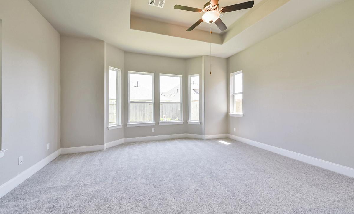 Plan 5050 Owner's Bedroom