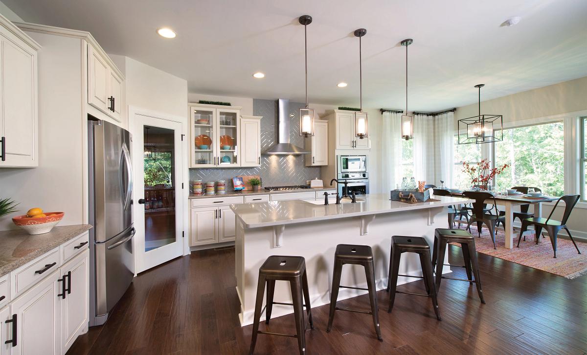 Redwood plan Kitchen & Breakfast Room