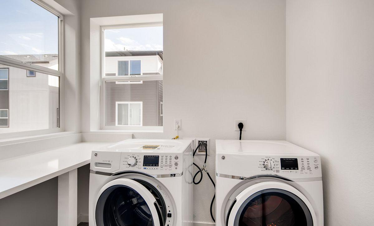 Crescendo Central Park QMI Lot 25 Plan 2203 Laundry