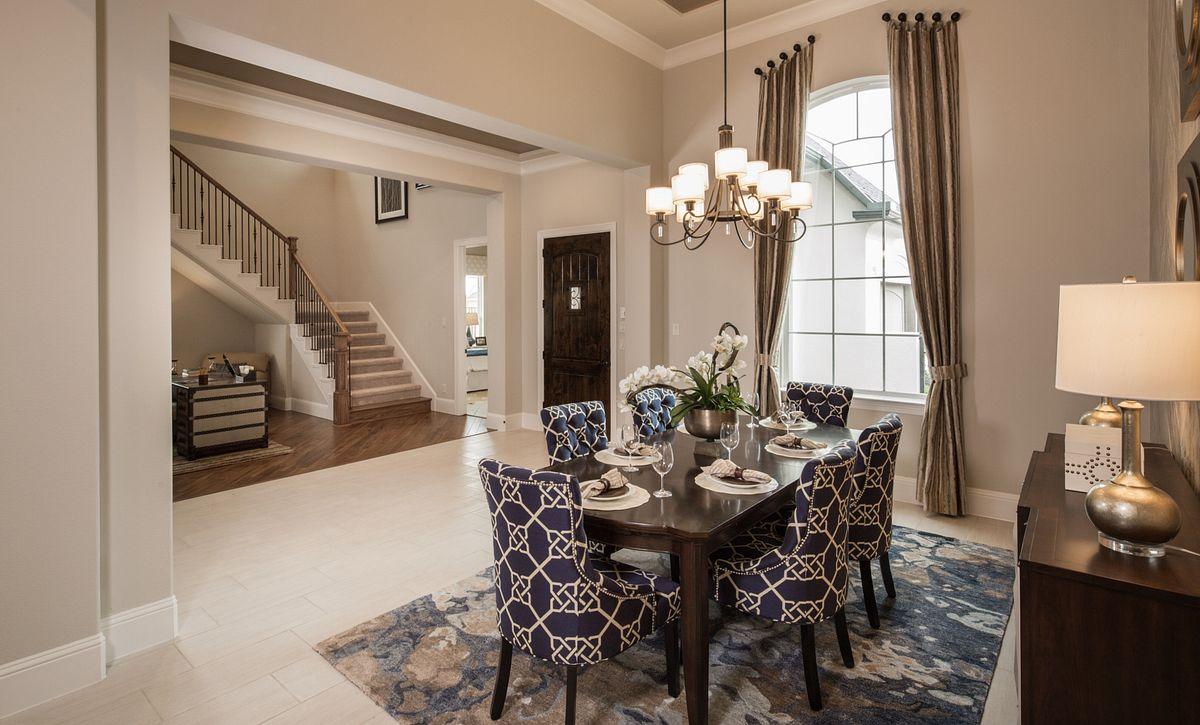 Plan 6015 Dining Room