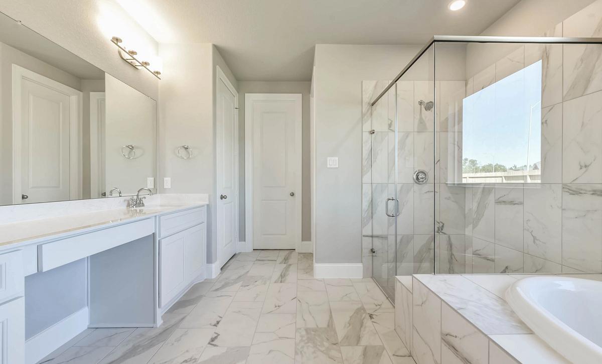 Harper's Preserve Plan 5009 Primary Bathroom
