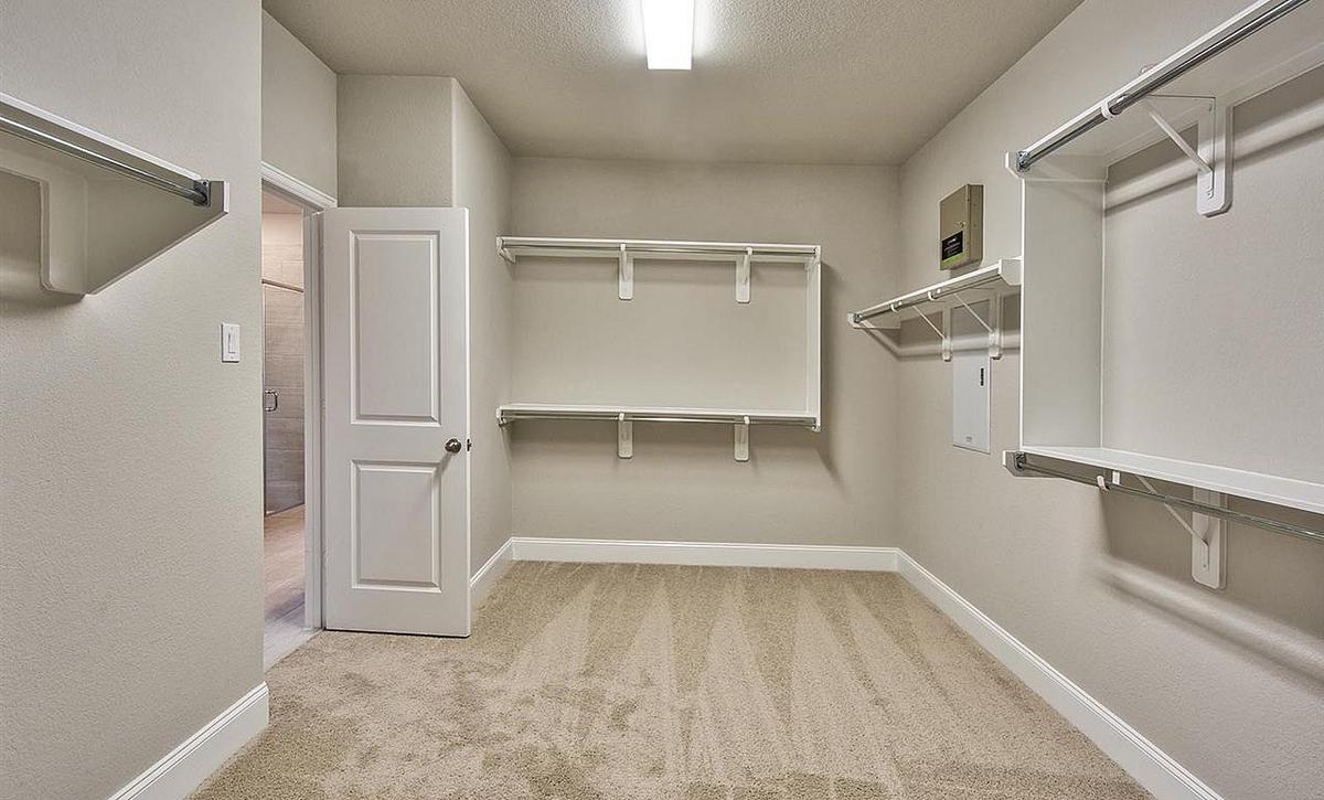 Plan 5019 Owner Closet