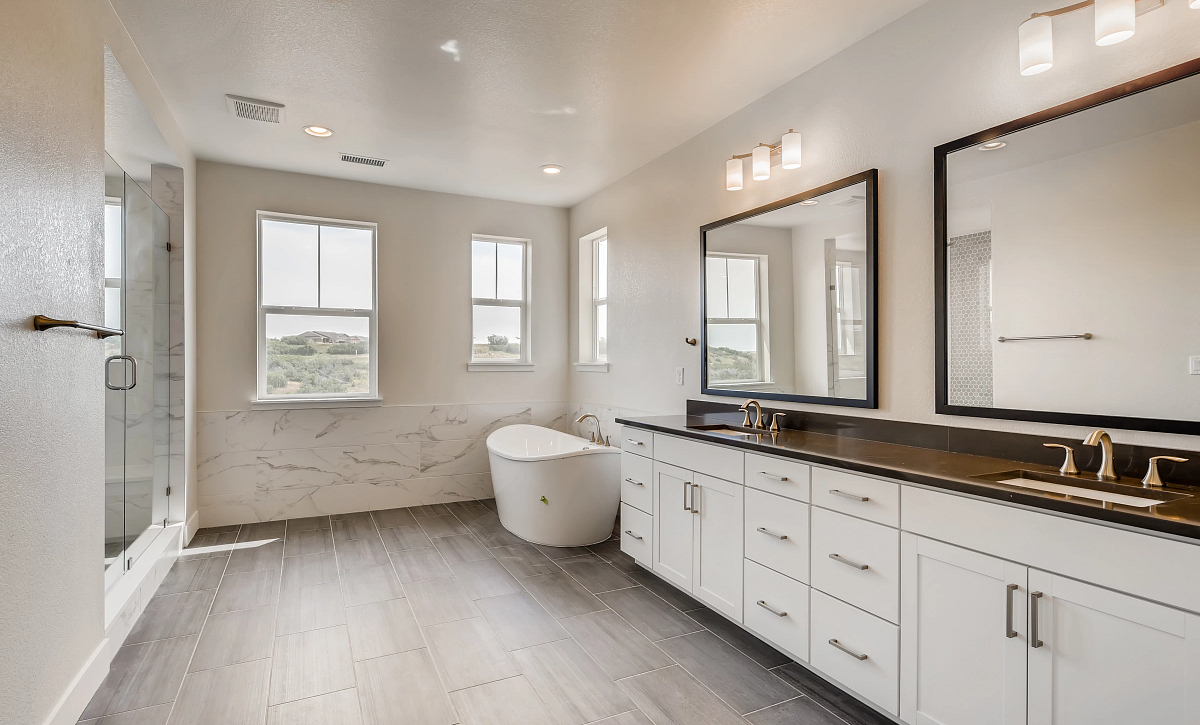Canyons Luxe Stratton Primary Bath