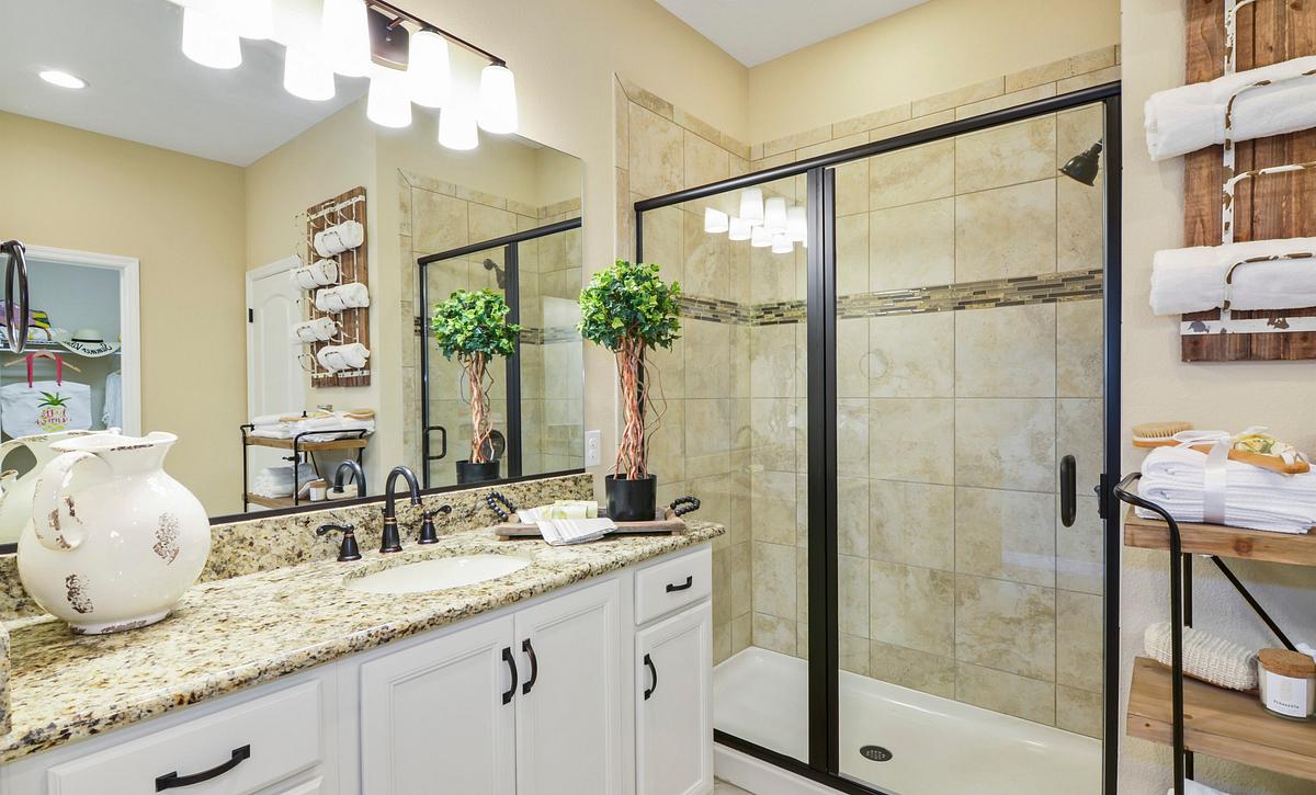 Trilogy at Ocala Preserve Declare Master Bath