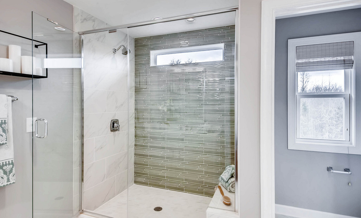 Cambridge Plan Owner's Bath