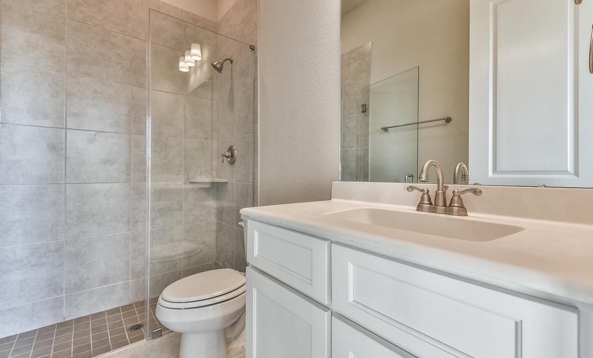Meridiana 70 Plan 6060 Bathroom 2