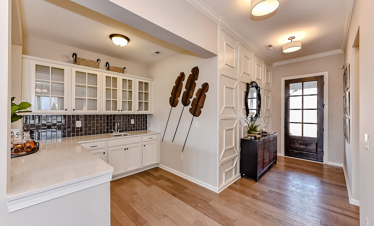 Everett plan Foyer & Bar option