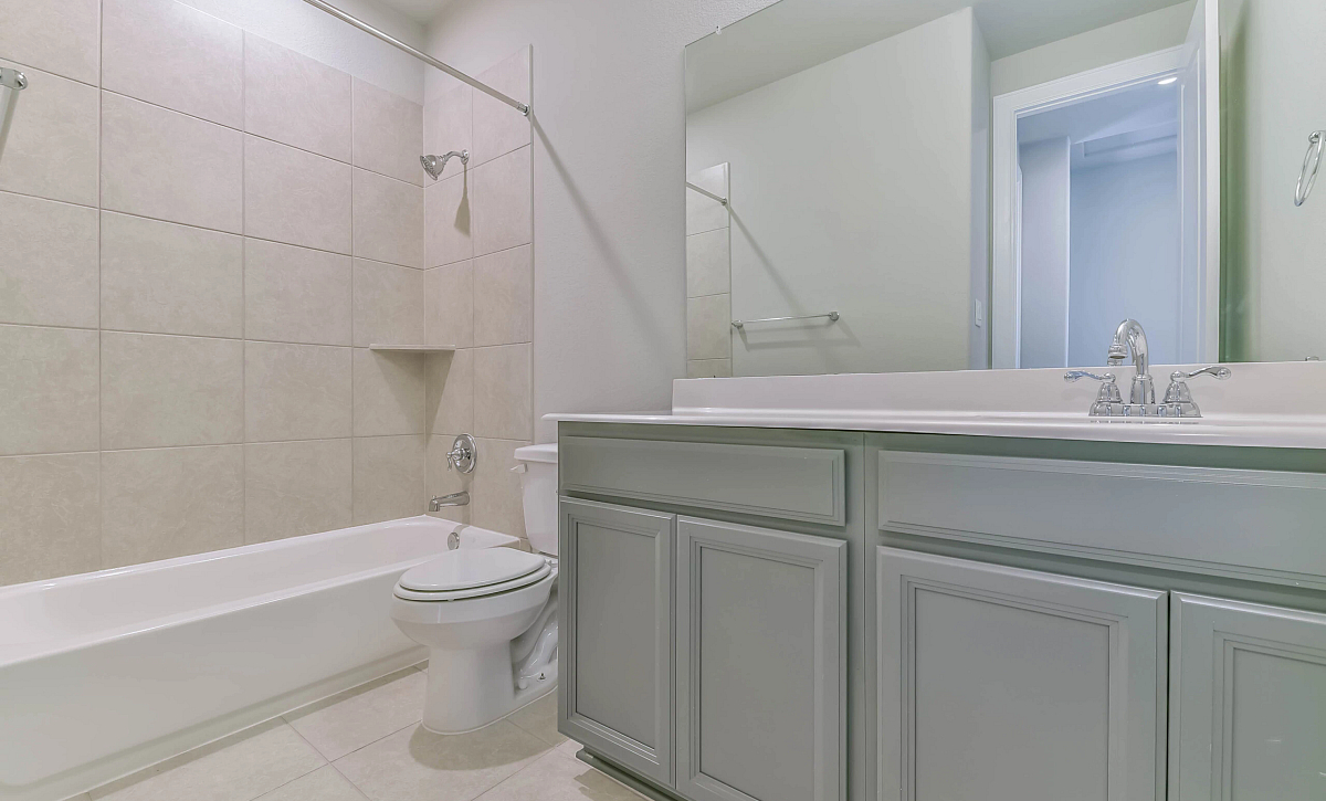 Sienna Plan 5039 Secondary Bath