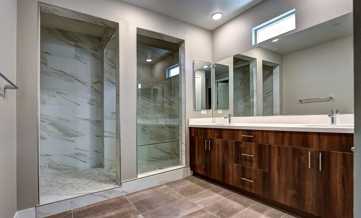Trilogy Summerlin Reflect Master Bathroom