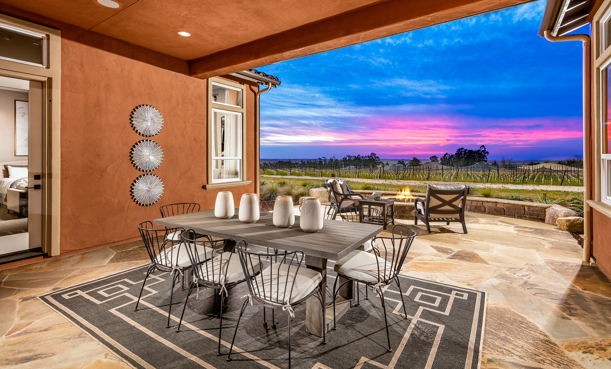 Trilogy Monarch Dunes Dolcetto Rear Covered Patio