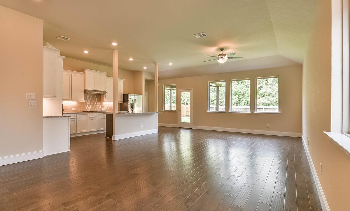 Plan 4049 Living Area