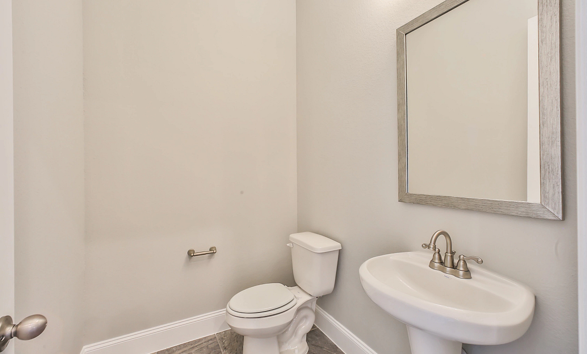 Del Bello Lakes QMI 3406 Plan 6015 Powder Room