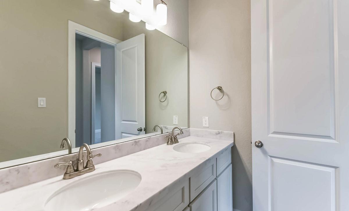 Plan 5129 Bathroom