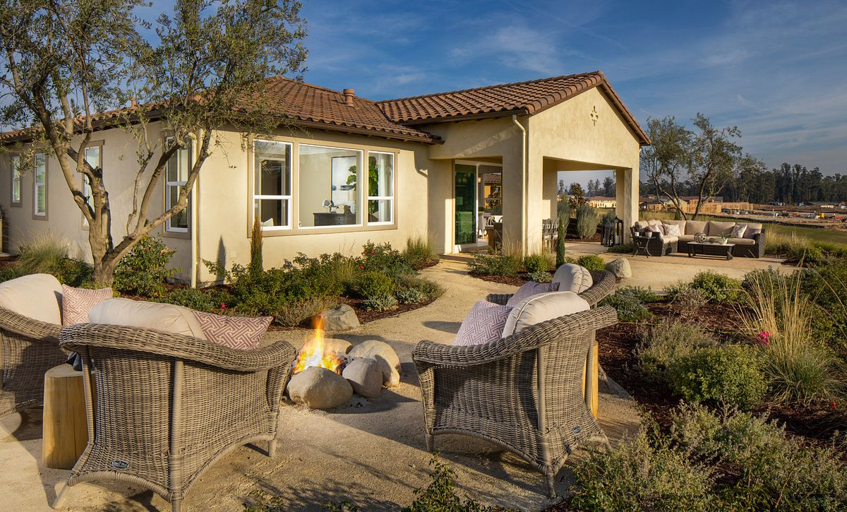 Trilogy Monarch Dunes Harmony Rear Exterior