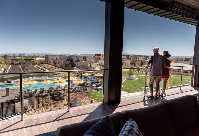 Trilogy Summerlin Homeowners Overlooking The Pool