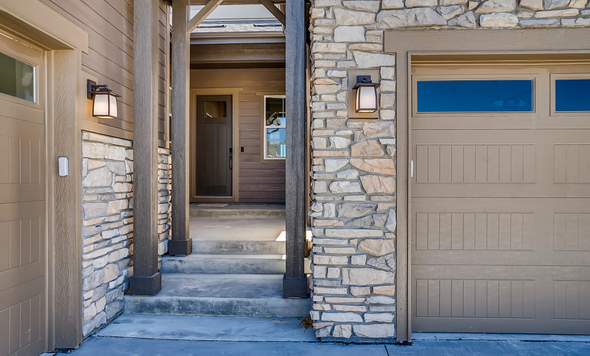 Canyons Retreat Preserve QMI Lot 437 Front Courtyard