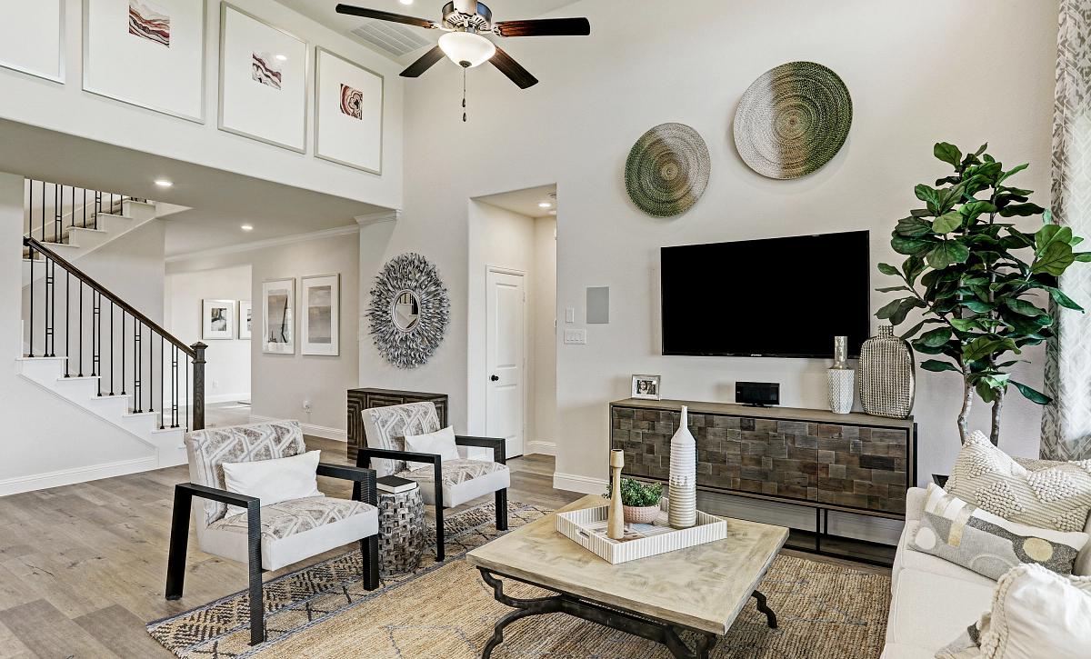 Del Bello Lakes Plan 4069 Living Room