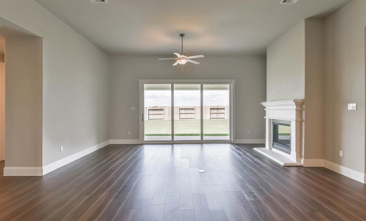 Plan 5039 Living Room