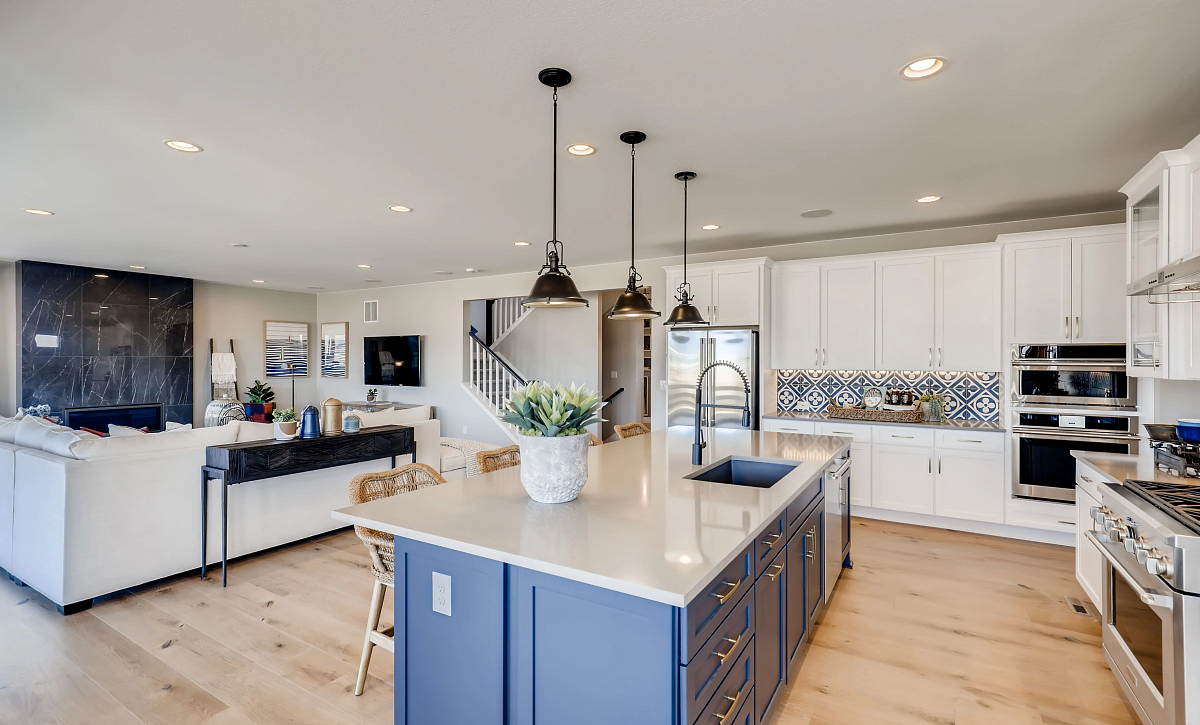 Solstice Trails Edge Meadowview Kitchen and Great Room