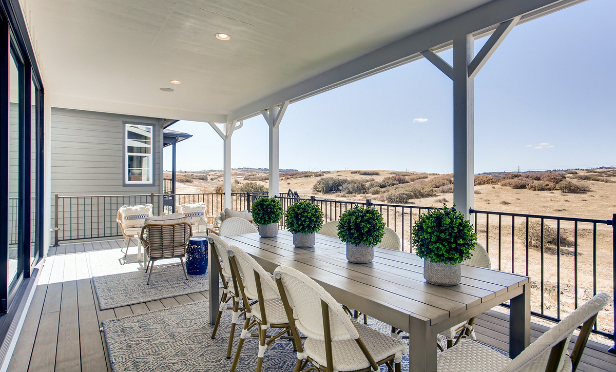 Canyons Luxe Hyde Covered Deck