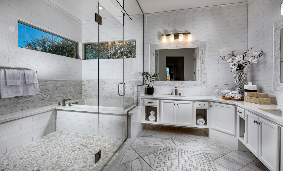 Brasada Model Master Bathroom