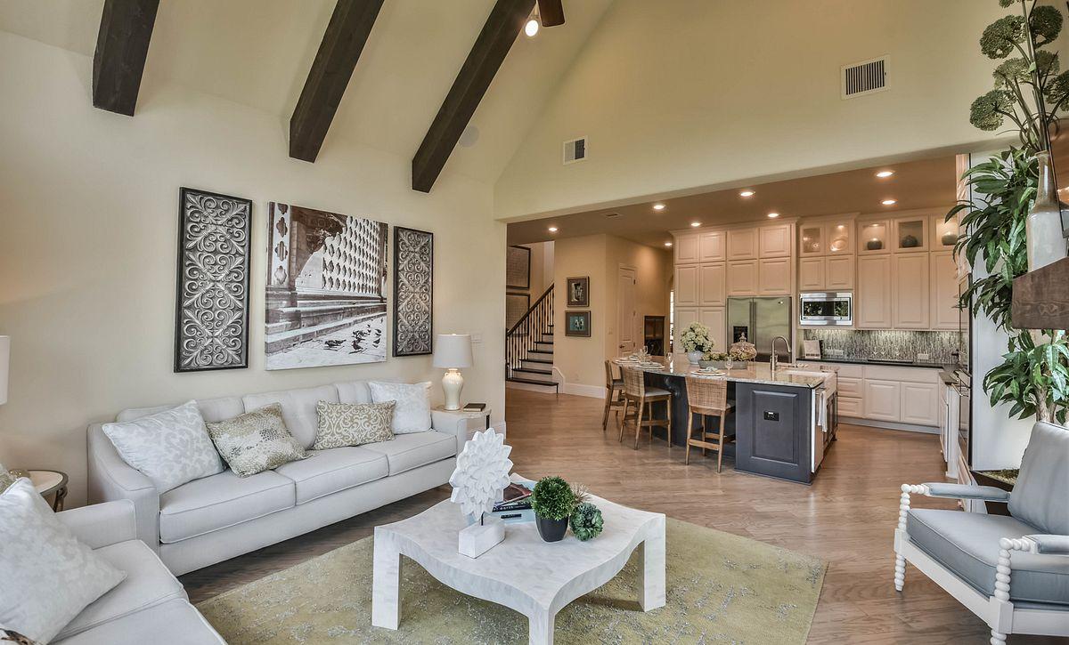 Plan 5023 Living Area