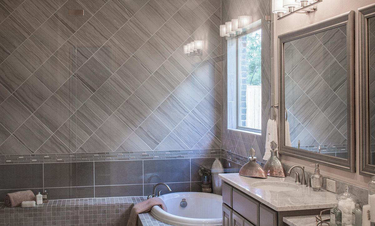 Sienna Plantation 65' Series Plan 5050 Master Bath