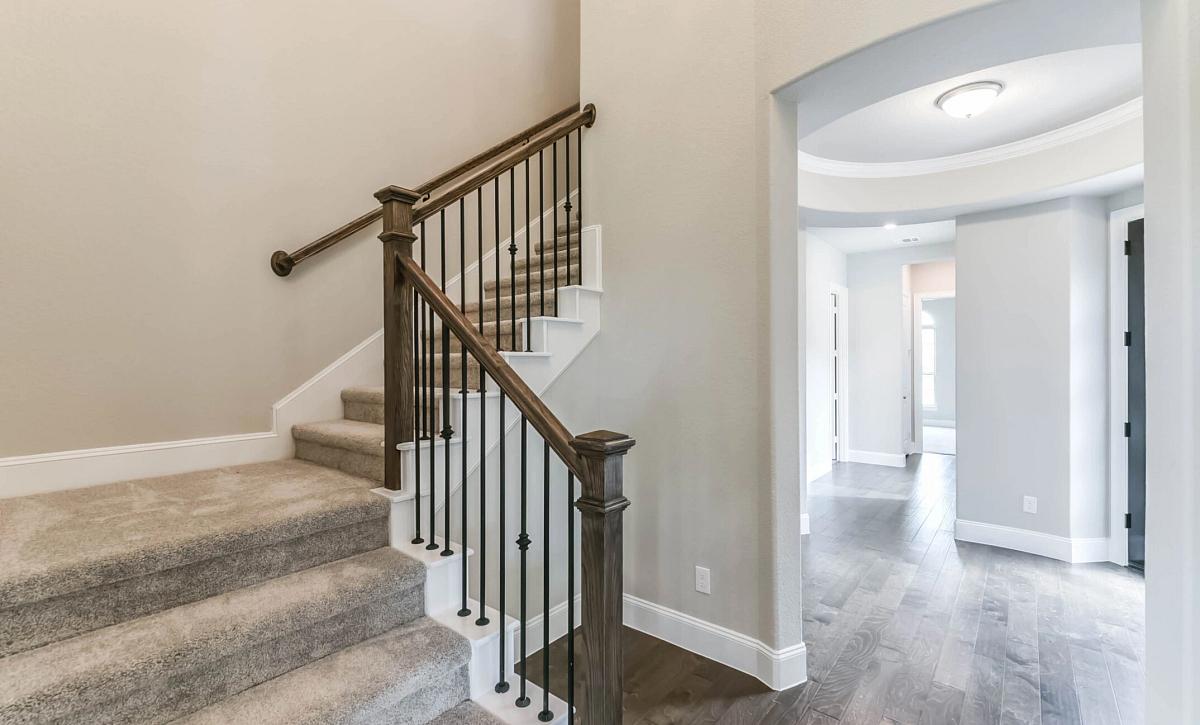 Sienna 60 Plan 5129 QMI 3502 Staircase