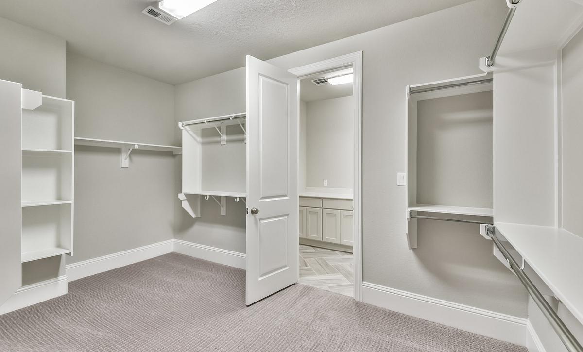 Sienna Plan 5049 Closet
