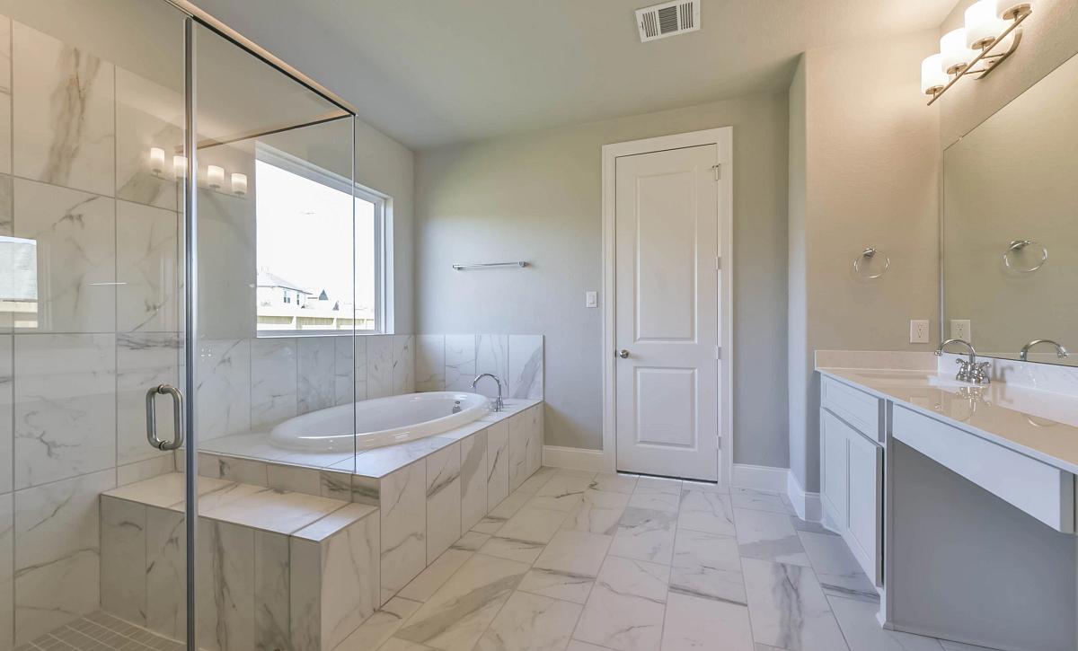 Harmony 60 Plan 5009 Primary Bathroom