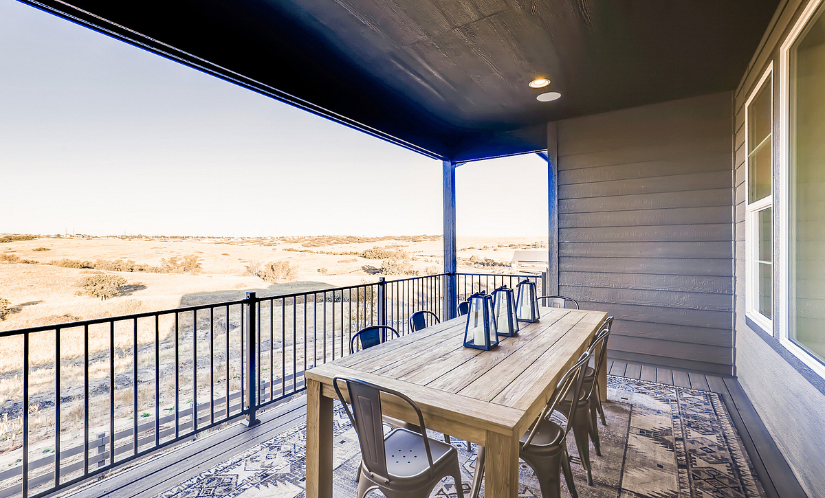 Canyons Luxe Stonehaven Covered Deck