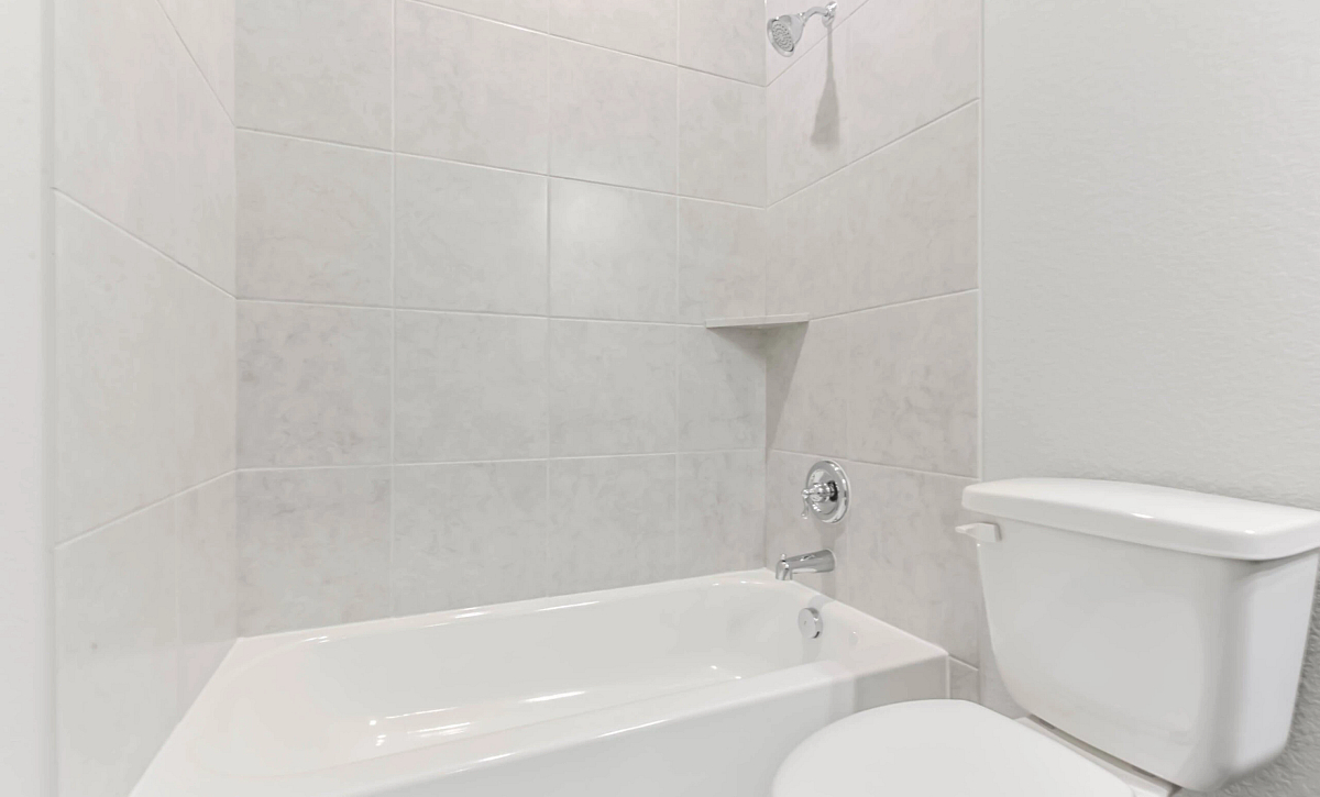 Harmony 50 Plan 4019 Bathroom