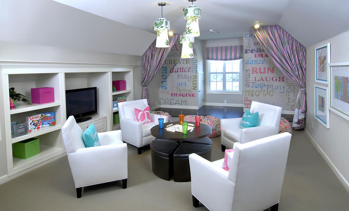 Silverado plan Extended Bonus Room with built-ins