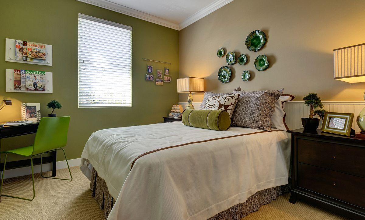 Trilogy at Tehaleh Pebble Beach Guest Bedroom