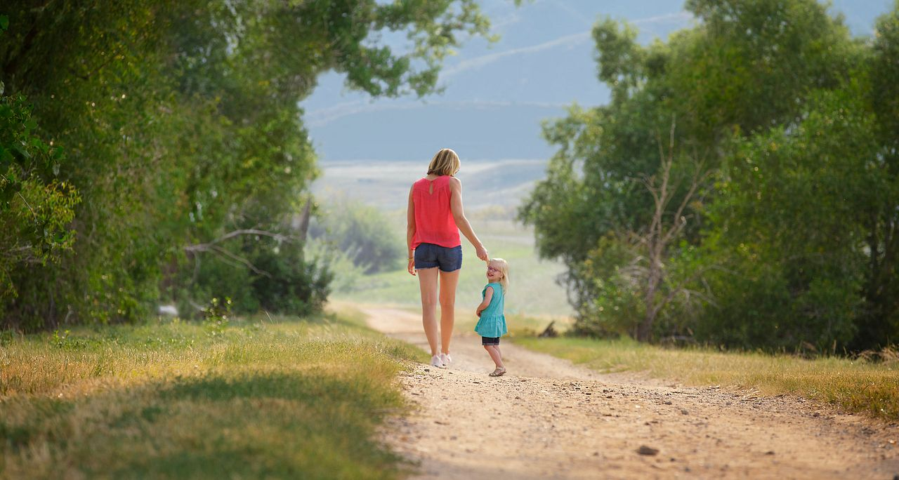 Solstice Lifestyle Summer Mother Daughter Trail