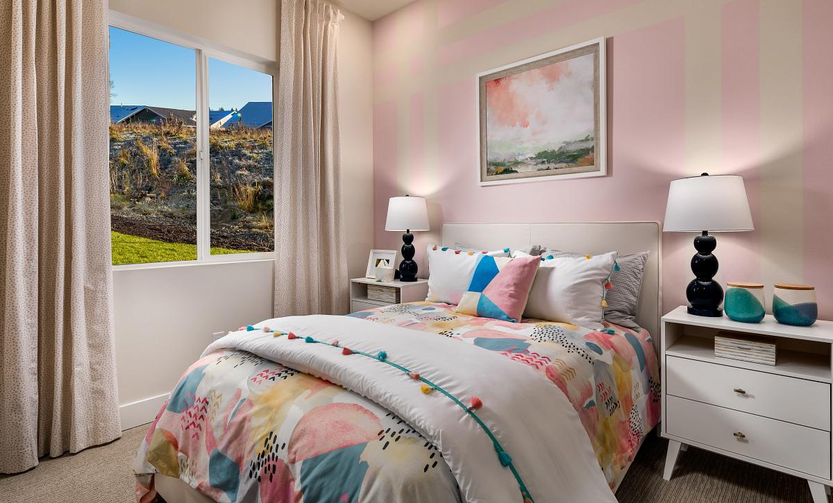 Trilogy at Tehaleh Proclaim Model Home Guest Bed