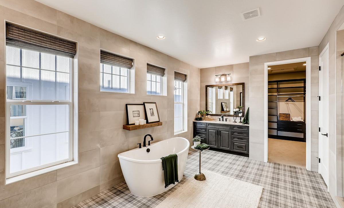 Canyons Luxe Stonehaven Master Bath