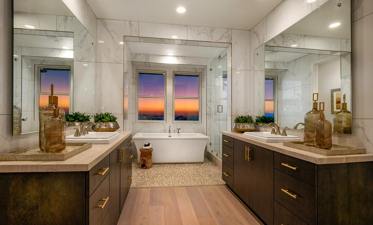 Teresina Plan 2X Master Bathroom