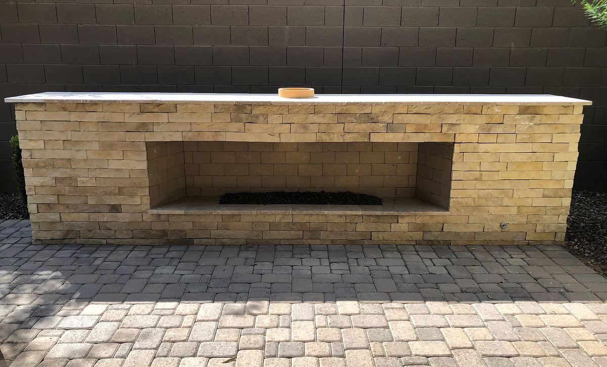 24 North Homesite 20 Backyard Fireplace