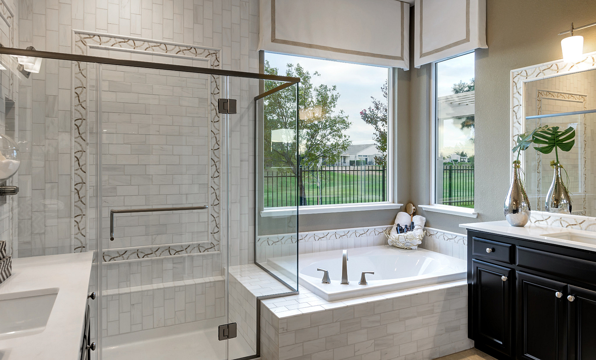 Trilogy Rio Vista Vensa Master Bathroom