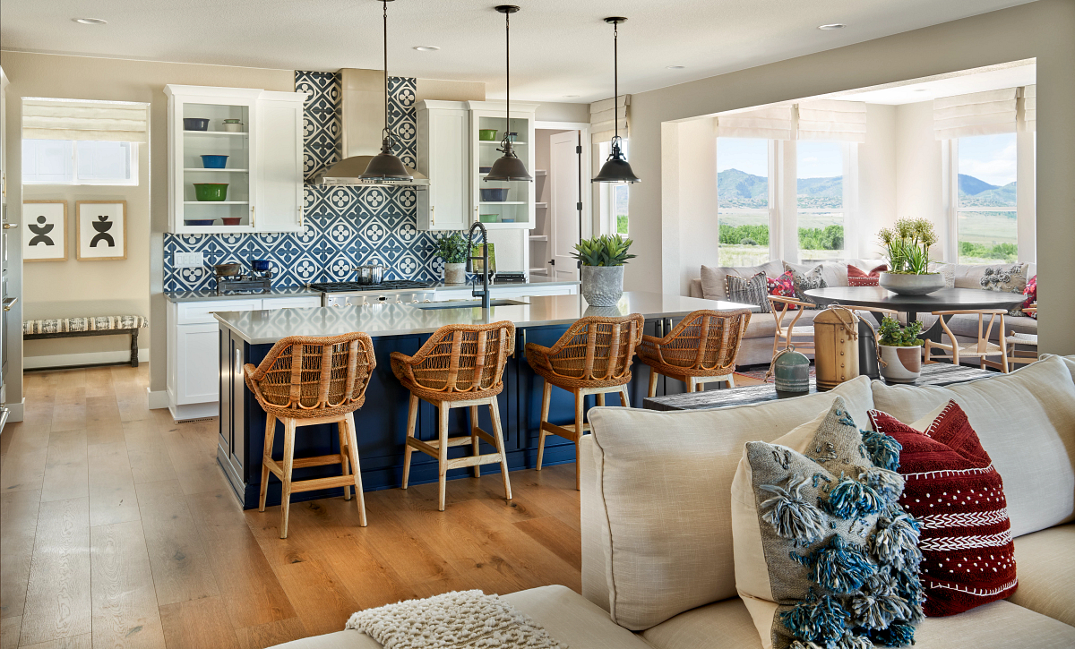 Solstice Trails Edge Meadowview Kitchen & Dining