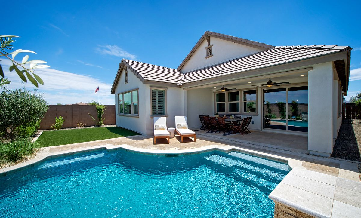 Plan 4013 Backyard Pool