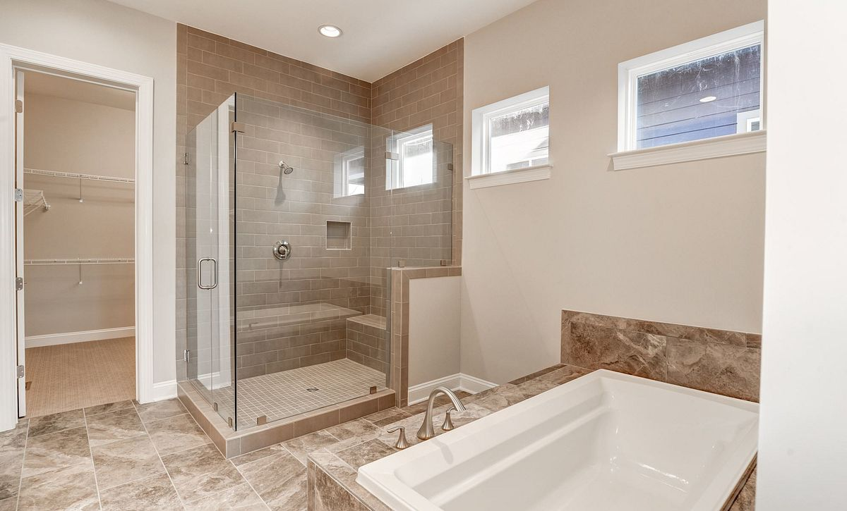 Trilogy at Lake Frederick Hensely Plan Quick Move In Owner's Bath