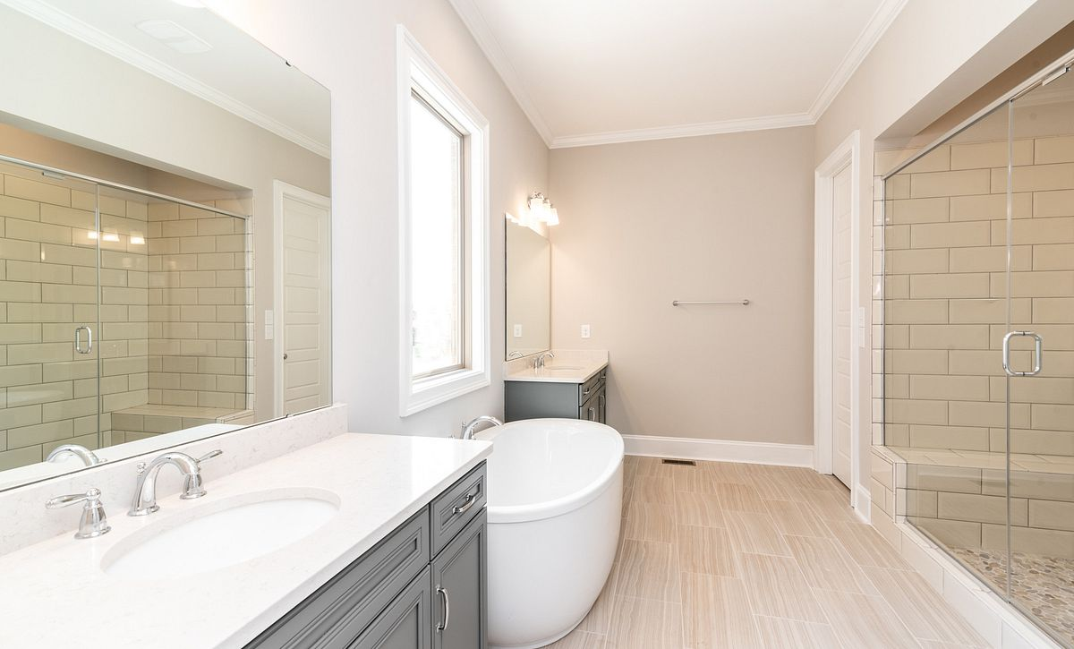 Sycamore plan Owner's Bath