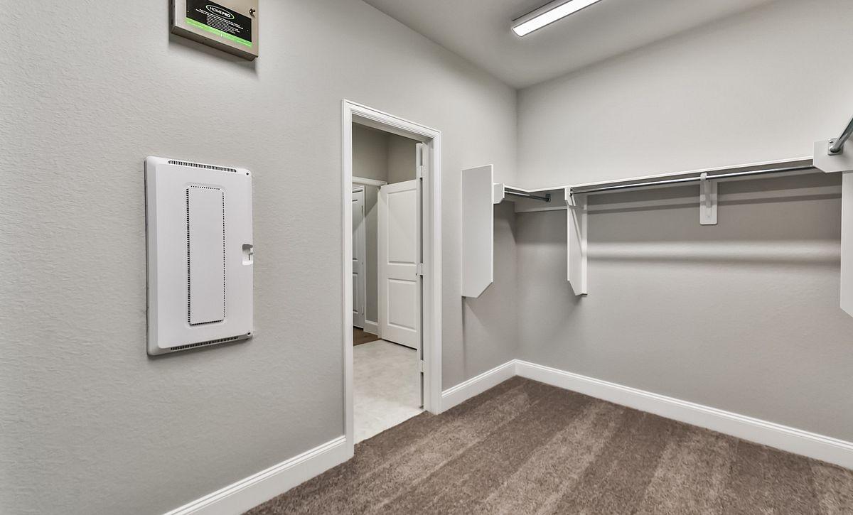 Plan 4029 Master Closet