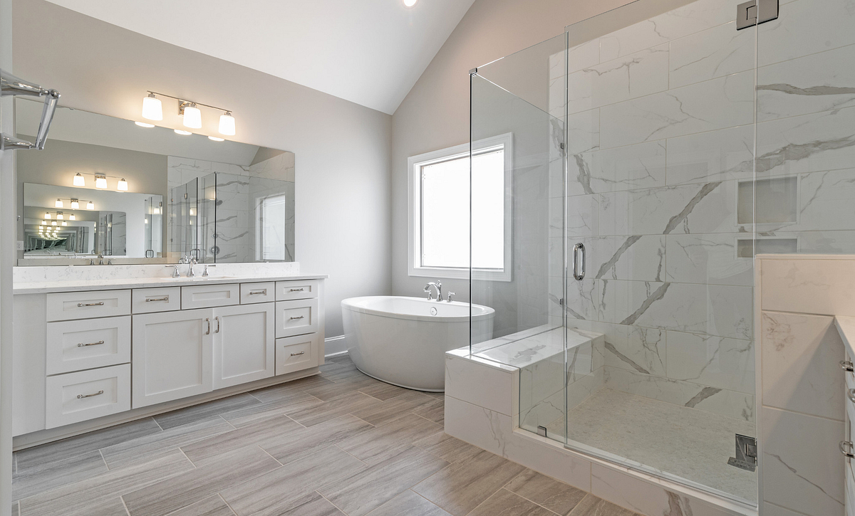Preston plan Owner's Bath