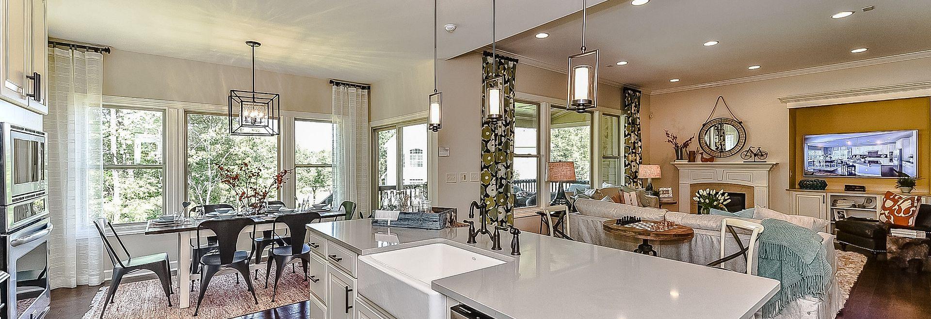 Redwood plan Kitchen, Breakfast, Family Rooms