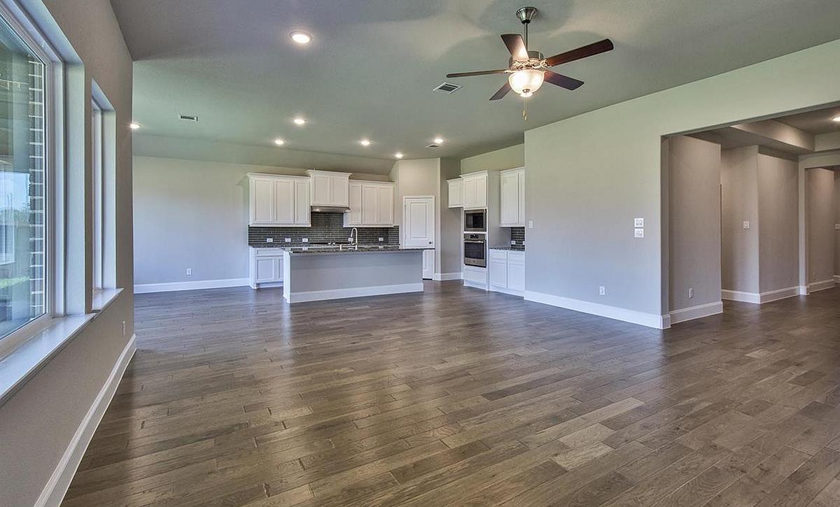 Plan 5019 Living Area