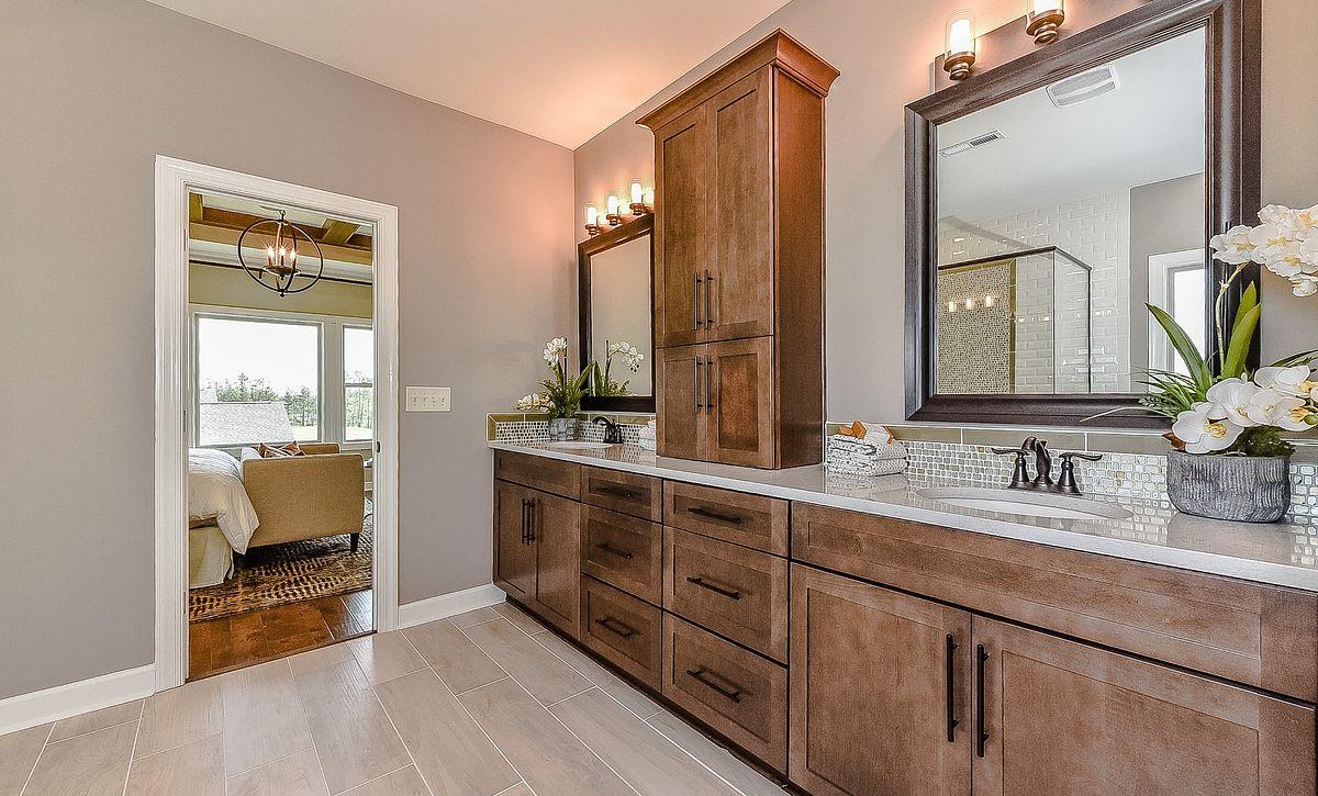 Hampton plan Owner's Bath