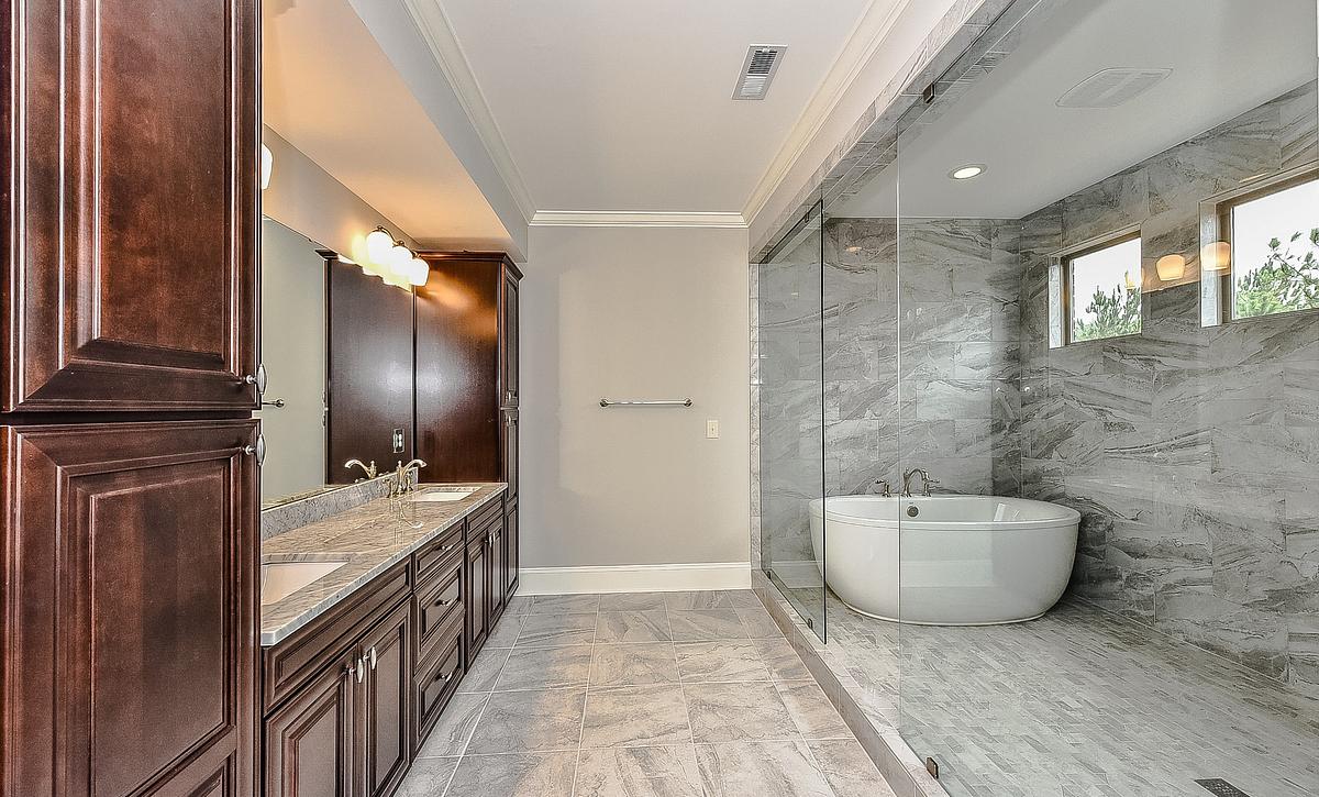 Preston plan Spa Bath option